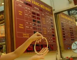 Giá vàng sụt giảm, tỷ giá trung tâm tăng vọt