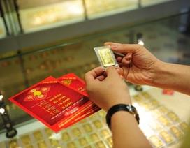 Giá vàng tăng cao, USD giảm gần 100 VND