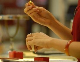 Thị trường vàng dư cung, tỷ giá giảm mạnh