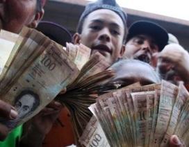 Venezuela: Có nơi dân còn phá ngân hàng và đốt tờ 100 Bolivar