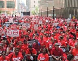 Hàng chục ngàn lao động của nhà mạng lớn nhất tại Mỹ đình công