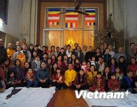 Cầu an đầu Xuân là nét văn hóa đẹp của người Việt tại Ấn Độ
