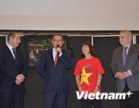 Đón Tết cổ truyền Việt tại thành phố Choisy Le Roi của Pháp