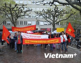 Biểu tình tại Zurich phản đối hành động của Trung Quốc ở Biển Đông