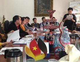 Đoàn kiều bào Đức về nước trao quà cứu trợ đồng bào lũ lụt miền Trung