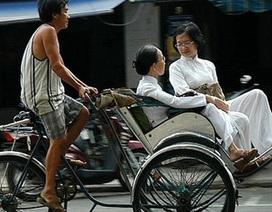 Vất vả nghề đạp xích lô ở xứ Huế