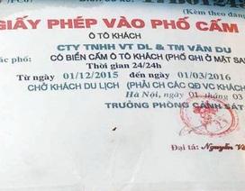 """Hà Nội: Giấy phép """"lạ"""" của chiếc xe đi vào phố cấm"""