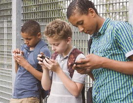 """Độc đáo """"chiêu"""" quản lý thời gian dùng iPhone của trẻ nhỏ"""
