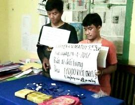 Bắt hai đối tượng người Lào vận chuyển 17.000 viên ma túy vào Việt Nam