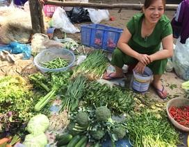 Chợ Tết vừa họp, thực phẩm đã rục rịch tăng giá