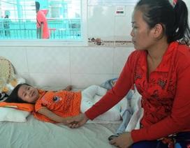 Thương bé 2 tuổi bỏng nặng vì ngã vào nồi bún đang sôi