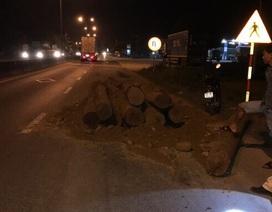 Bắt xe tải chở gỗ lậu trong đêm, nguỵ trang là chở đất