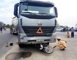 Xe đầu kéo tông 4 người trong một gia đình thương vong