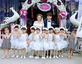 Clip học trò múa hát đáng yêu trong đám cưới cô giáo
