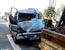 Phát hiện xe chở gỗ lậu sau một vụ tai nạn chết người