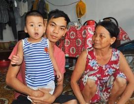Xót thương cháu bé 2 tuổi bị tổn thương não và mất thính lực nặng