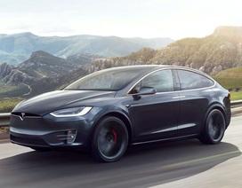 Tesla tự nguyện triệu hồi 11.000 chiếc Model X