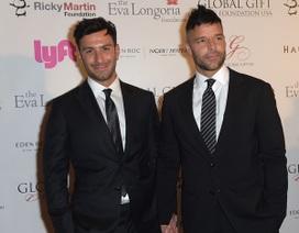 Ricky Martin hạnh phúc sánh đôi bạn trai