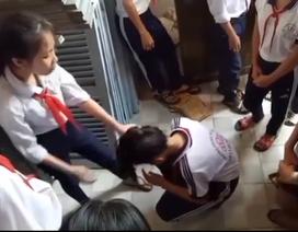 """Kiên Giang: Buộc thôi học có thời hạn với 2 nữ sinh lớp 9 đánh """"đàn em"""" lớp 7"""