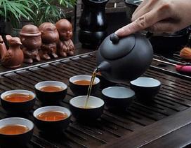 Uống trà 'thả cửa', tác hại khôn lường