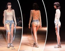 """Sửng sốt với mẫu jeans… """"quần dây"""""""