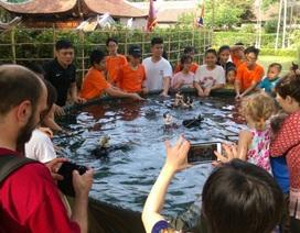 Đón Trung thu… dưới nước
