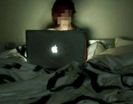 """Cô gái 18 tuổi bị tâm thần vì... thức đêm đăng ảnh """"câu"""" like"""