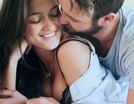 Cô gái suýt bị điếc vì yêu đương quá mãnh liệt