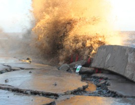 Cần khẩn cấp 40 tỷ đồng khắc phục kè đê biển