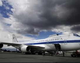 """Bão lớn phá hỏng nửa phi đội máy bay """"Ngày tận thế"""" của Mỹ"""