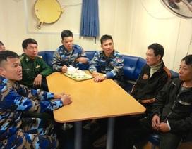 Tàu cá gặp nạn ở Bạch Long Vĩ được ứng cứu an toàn