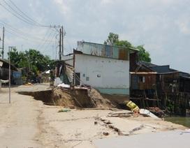 Hiện trường vụ sạt lở nghiêm trọng khiến 14 nhà dân sụp xuống sông