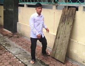 Tường trình của tài xế taxi mở toang 2 cánh cửa khi lái xe