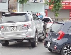 Xe Fortuner gây tai nạn liên hoàn, 3 người nhập viện