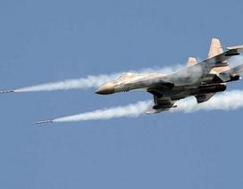 Hama/Syria nguy ngập, Nga phải dùng cả Su-35 và Su-30SM làm cường kích