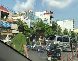 Ô tô tông hàng loạt xe máy, 3 người bị thương