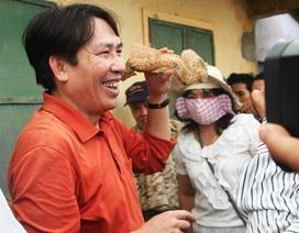 Chuyên gia quốc tế thực địa các di chỉ gốm ở Bình Định
