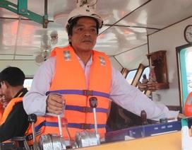 """Đội tàu lai """"Cửu Long"""" dũng mãnh vượt sóng cao 7m cứu 34 thuyền viên"""