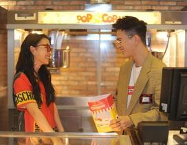 Châu Bùi, Cao Minh Thắng tình cảm tại rạp chiếu phim giường nằm đầu tiên tại Hà Nội