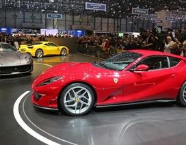 Lãnh đạo Ferrari chọc giận chủ xe Lamborghini