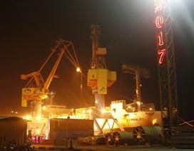 Cảng Hải Phòng đón mã hàng đầu năm, đúng thời khắc giao thừa