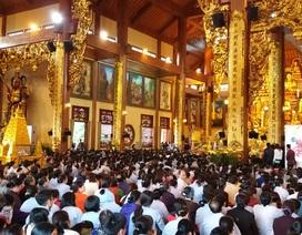 Hàng chục nghìn suất cơm chay miễn phí tại Hội xuân Chùa Ba Vàng