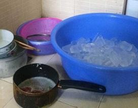 Nửa đêm bế con đi thuê nhà nghỉ, mua đá để tắm vì quá nóng