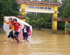 Thừa Thiên Huế cho học sinh vùng trũng bị lũ lụt nghỉ học ngày 20/11