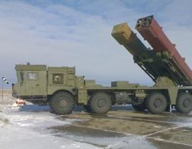 Tên lửa bắn loạt Uragan-1M của Nga lần đầu lộ diện trong tập trận