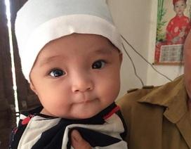 Mẹ bỏ đi, bố bị u não, bé gần 5 tháng tuổi ngằn ngặt khóc vì khát sữa