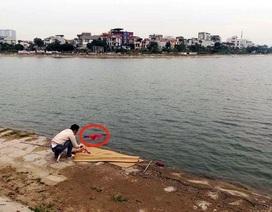 Hà Nội: Thi thể người đàn ông nổi trên hồ Định Công