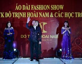 NTK Đỗ Trịnh Hoài Nam cùng 23 học trò tôn vinh vẻ đẹp áo dài truyền thống
