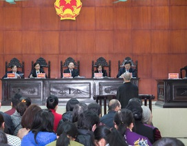 Tổ trưởng dân phố 4 lần hiếp dâm bé gái lãnh án 13 năm tù giam