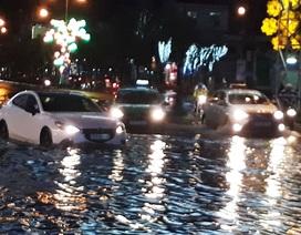 Đường phố Cần Thơ ngập nặng sau cơn mưa chiều